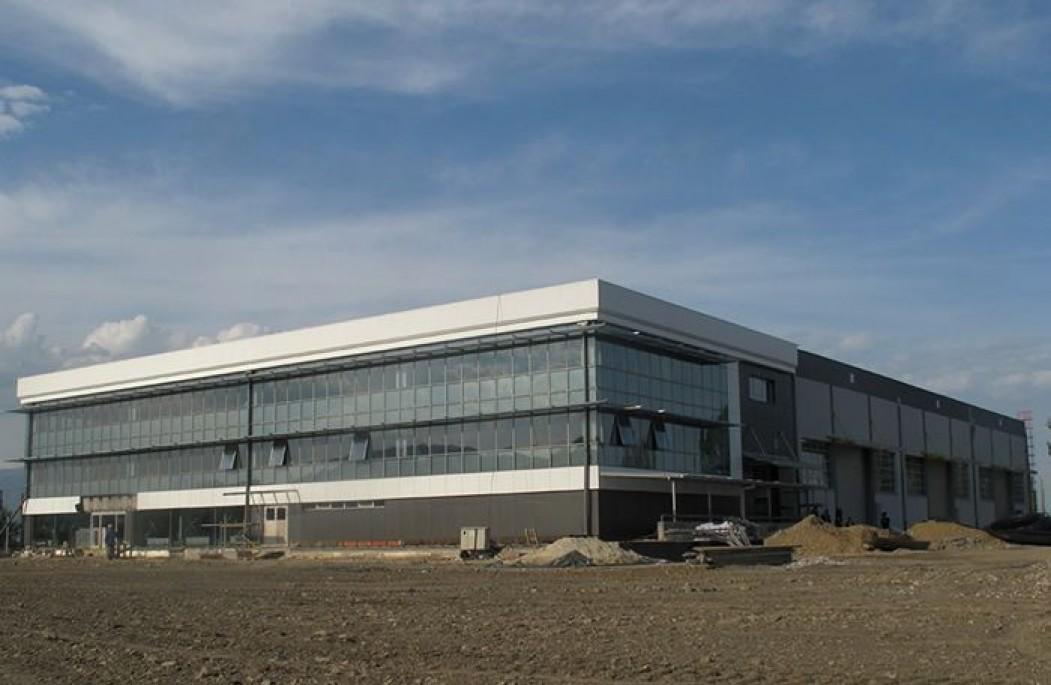 Производна Хала со Магацин и Канцеларии Пинтија